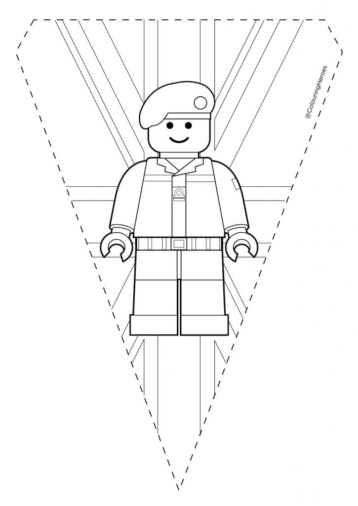 This image has an empty alt attribute; its file name is Pennant-lego-2-725x1024.jpg